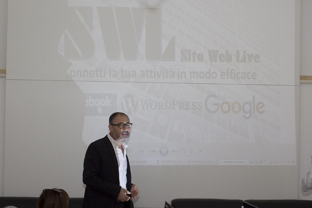 Sito web e strumenti web live 18